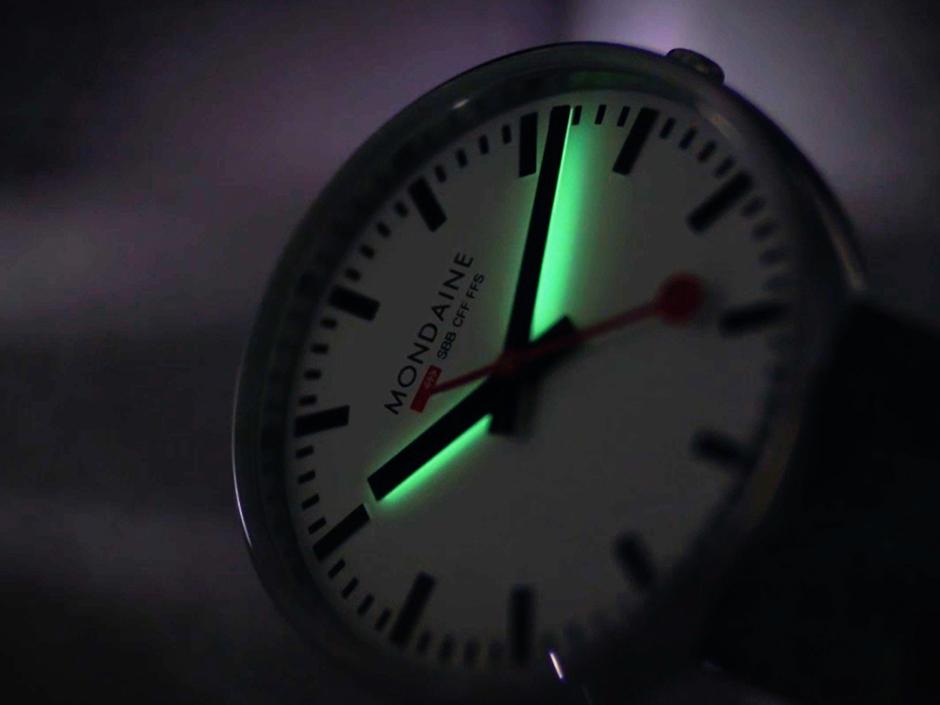 PowerWatch WATCH NEWS|MONDAINE/モンディーン|トップ・トゥ・ゴー(バックライト付き仕様)